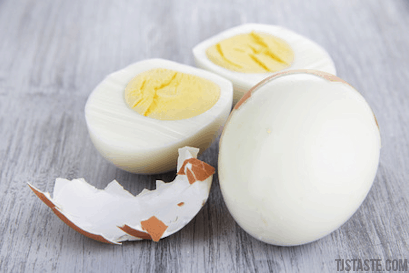 How to Peel Hard Boiled Eggs in Just a Few Seconds