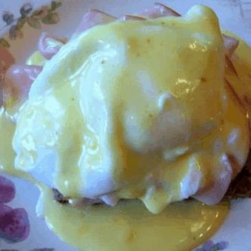 Eggs Benedict Hollandaise Sauce